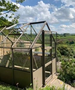 greenhouse social distancing installation